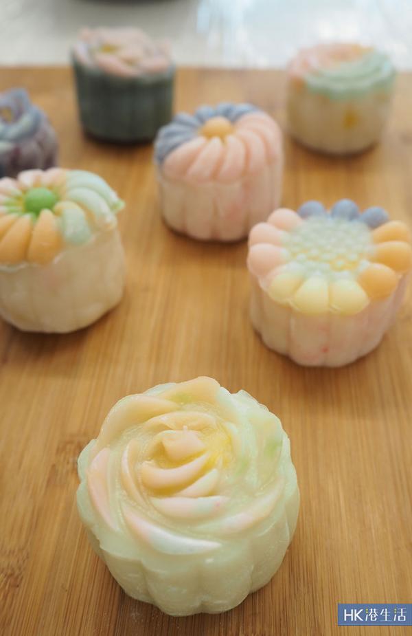 花型冰皮月餅製成品