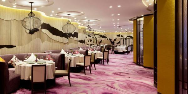 香港九龍東皇冠假日酒店