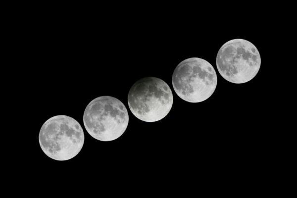 20年來難得一見!中秋滿月兼「半影月食」(圖:香港天文台網站)