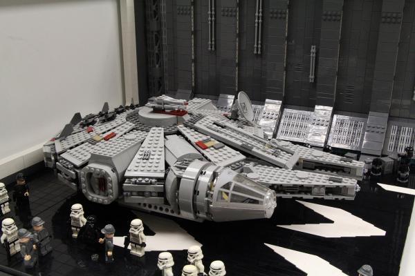 尖沙咀LEGO展 港首次展出20萬粒LEGO千歲鷹