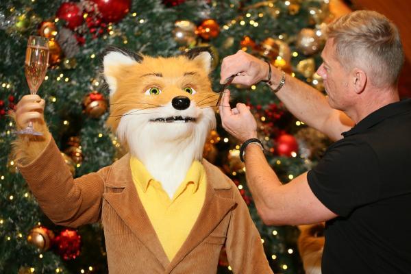 人偶製作大師Lan Mackinnon將《狐狸先生無得頂》重現。