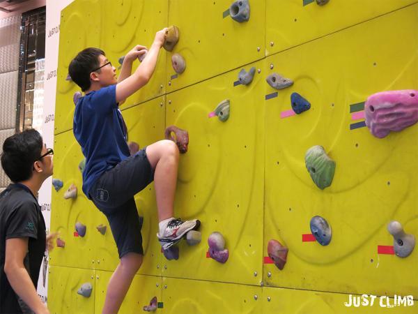 香港運動消閒博覽2017 免費試玩攀石+桌上足球/沙壺