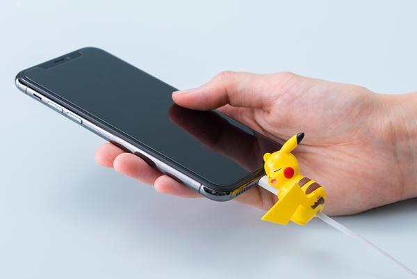 比卡超攬住電線瞓覺!日本寵物小精靈系列充電線配飾率先睇