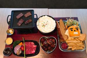 過癮層層疊 韓式年糕燒肉炒飯套餐