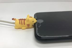 咬住電話唔放!日本得意動物充電線配飾 香港有得賣