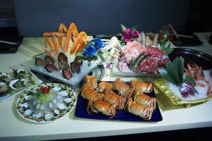 兩小時大閘蟹放題 任食刺身+鐵板燒+泰國料理