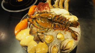 任食雞、鴨煲!夏日限定海鮮刺身雞煲火鍋放題