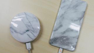 兩種用法!雲石紋鏡盒充電器 內設環形LED補光燈