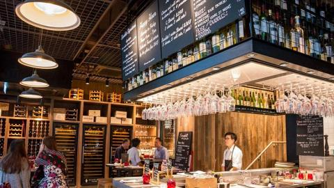 Scarlett Cafe & Wine Bar