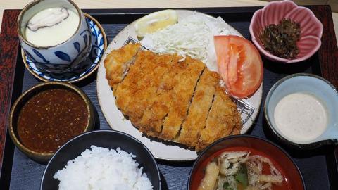 長沙灣新開定食店 大大份吉列豬扒/鰻魚飯+任添沙律白飯