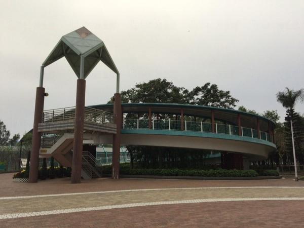 鰂魚涌海濱花園 迴轉天橋