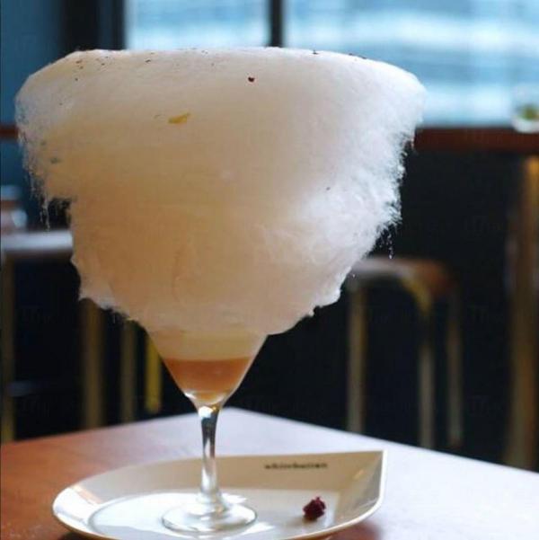 白酒桃玫瑰慕絲(圖:FB@White Button Cafe)