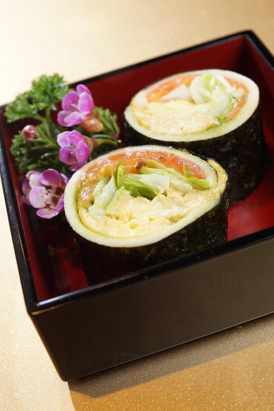 煙三文魚木魚汁蛋紫菜金毛之昔綠茶沙律醬三文治卷