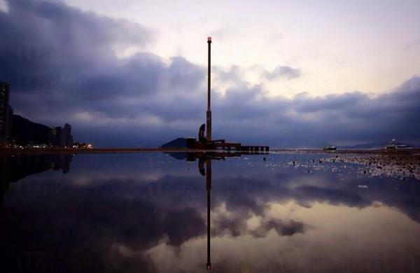 西環貨運碼頭 港版天空之鏡(圖:IG@keytsang)