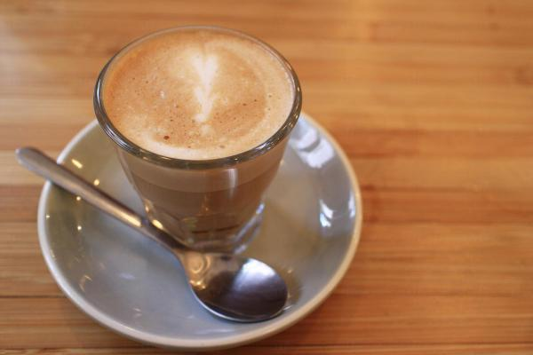 中環Common Ground 澳式咖啡牛奶 Flat White(圖:U Blogger-跟著小鼠去旅行)