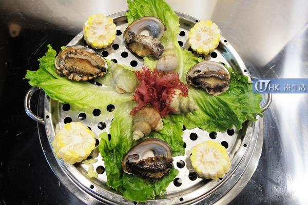 第七層:鮑魚、翡翠螺、大蚌