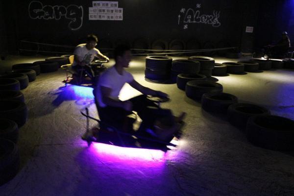 觀塘室內Crazy Cart試車場  感受飄移快感(圖:FB@crestmertontech)