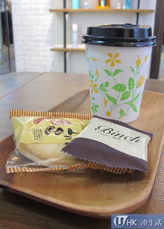 不論是理髮,或是美甲,客人來到也可以享用韓式茶點。