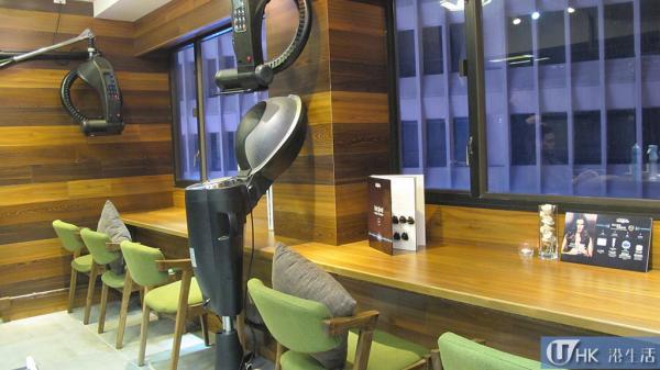 假若搬走美髮儀器,這角度有點像樓上cafe。