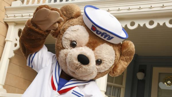 Duffy在小鎮廣場