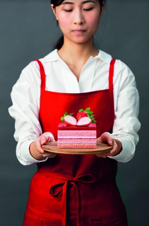 必食果撻+流心蛋糕!東海堂新出I Love Strawberry系列