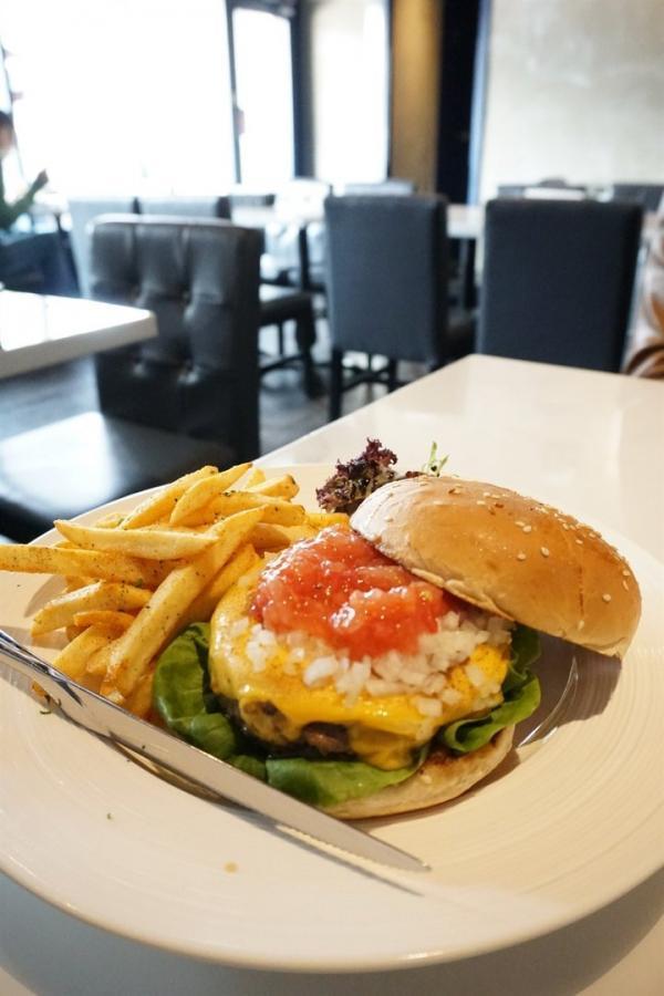 自家製juicy安格斯牛漢堡 屯門格調西餐小店