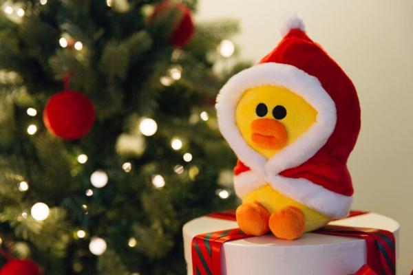 香港限量推出!聖誕版紅斗篷LINE FRIENDS登場