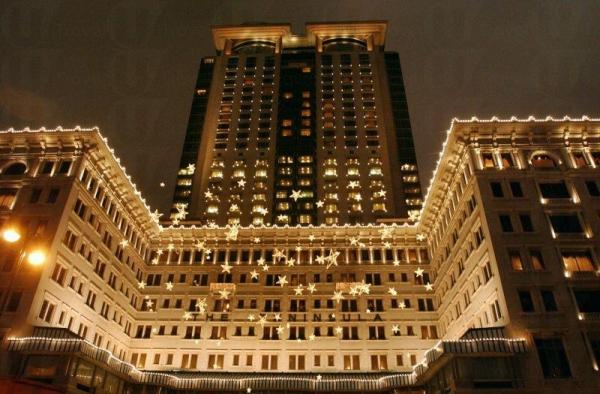 夜間的酒店外觀份外美麗。