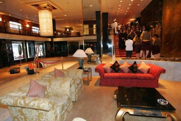 酒店大堂十分寬敞。