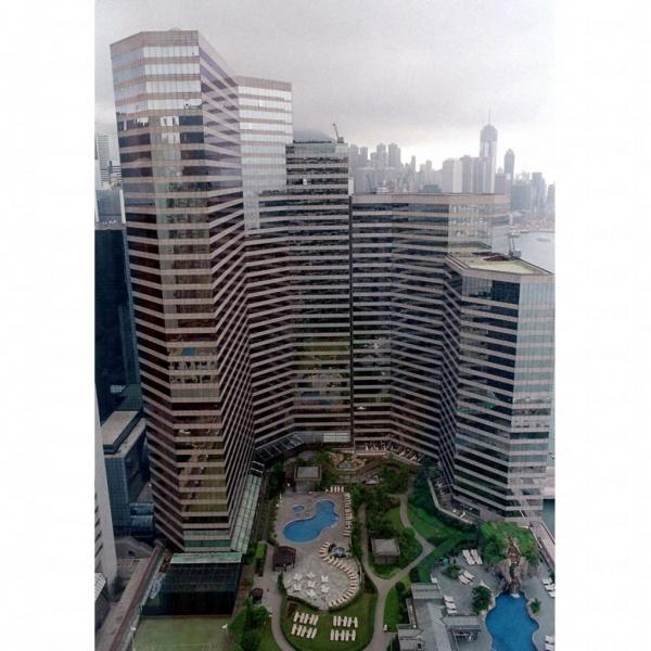 酒店外型像一座商業大廈。
