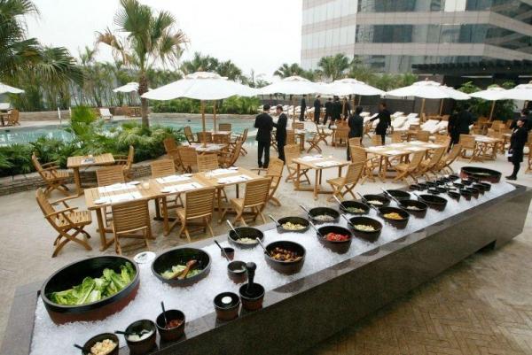 酒店內的 The Grill 露天燒烤餐廳。