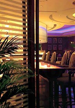 Q88 酒吧設計華麗。