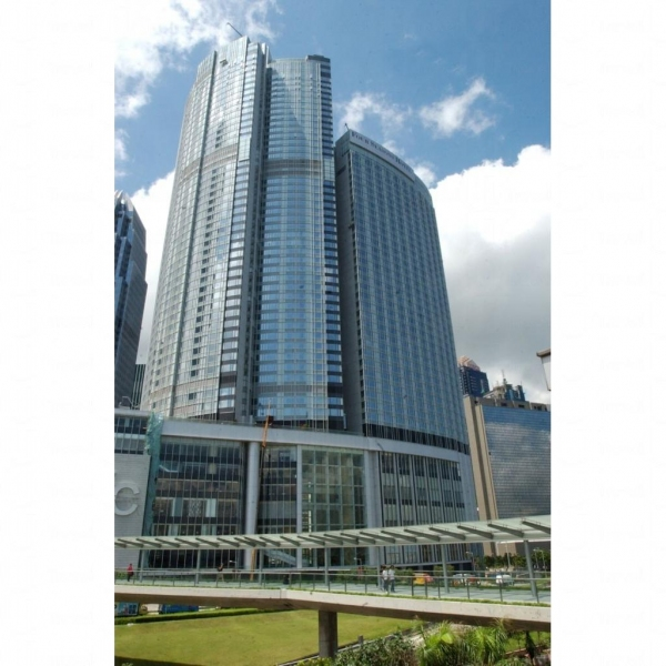 酒店外貌像一座大型商廈。