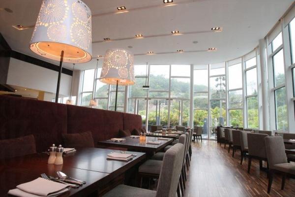酒店內的咖啡廳。