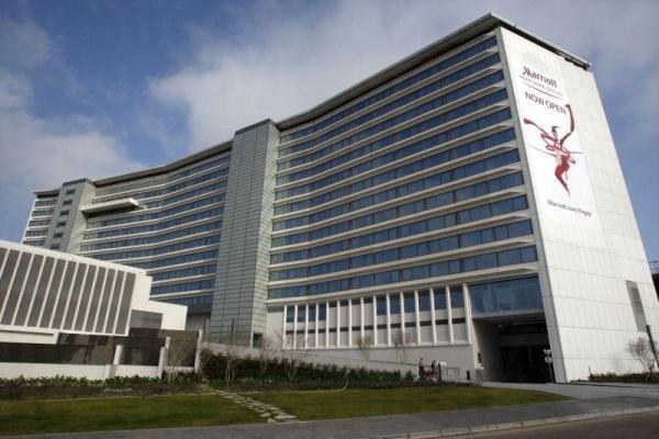 酒店鄰近香港國際機場。