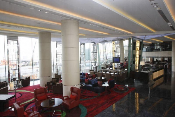 酒店大堂設計簡約。