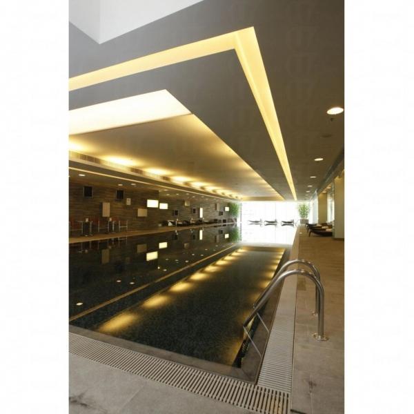 酒店泳池甚具氣派。