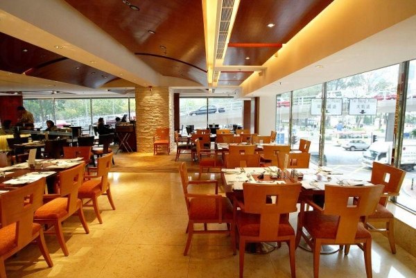 酒店內的 Cafe One 餐廳。