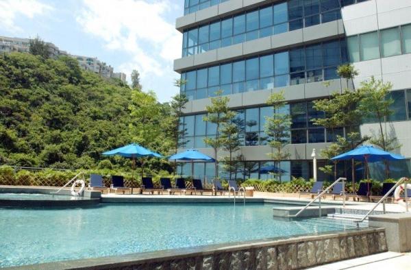 酒店泳池寬敞舒適。