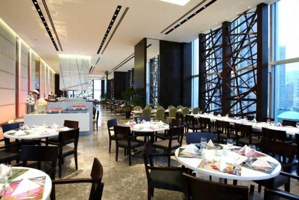 酒店內的 Cafe Circles 自助餐廳。