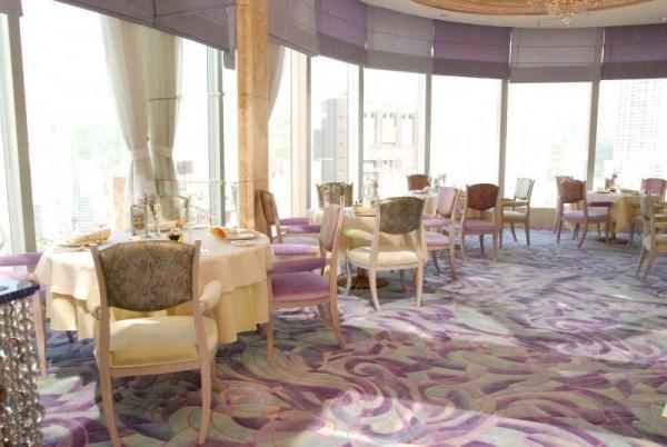 酒店內的 Zeffirino 餐廳甚有童話色彩。