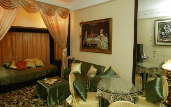 酒店部分房間十分精緻。