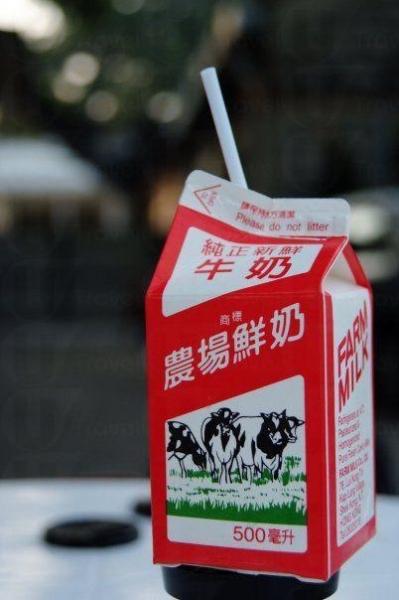 農場鮮奶的純正鮮奶有 3 款口味,分別為全脂、低脂及脫脂,可保存 7 日。