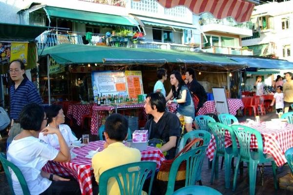 恆樂海鮮菜館平日十分熱鬧。