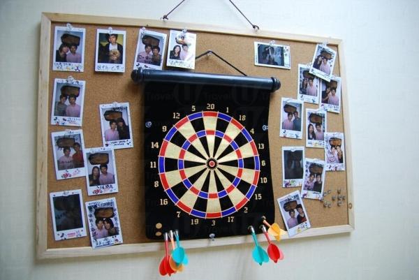 牆上貼滿了學員照片。