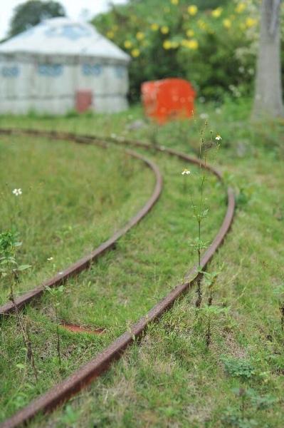 小火車大草地上的路軌,現時已停止使用。