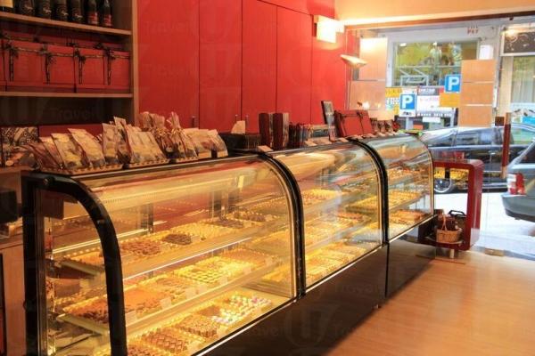 Goossens Chocolatier 售賣各款朱古力,全部於比利時人手製作。