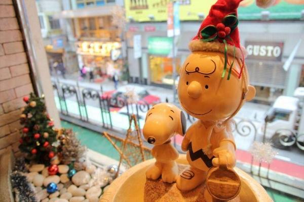 Cafe 放滿了各種 Snoopy 和朋友們的裝飾擺設。