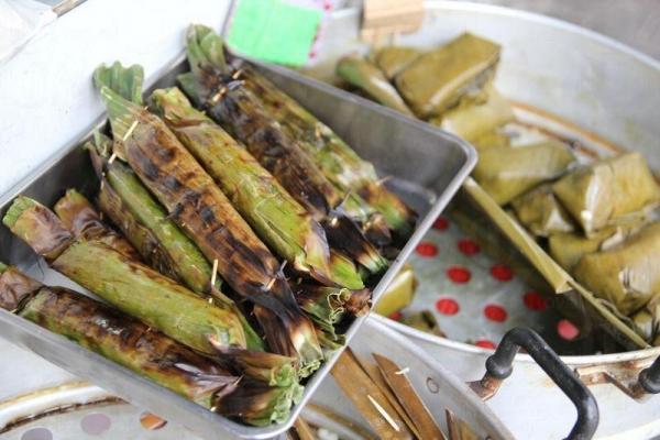 各種泰國特色小食如竹葉包芉頭,都是香港人的心頭好。