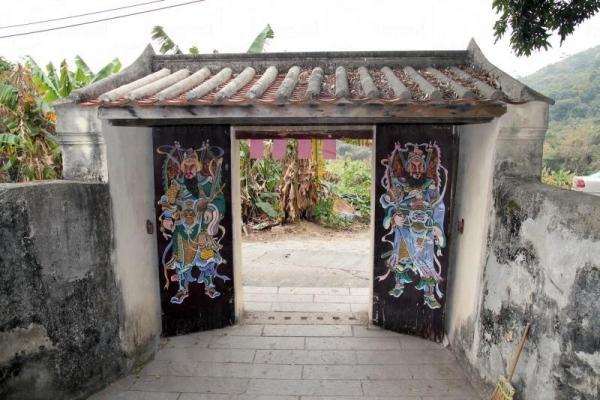 村內的門樓是被列為三級歷史建築的珍寶。
